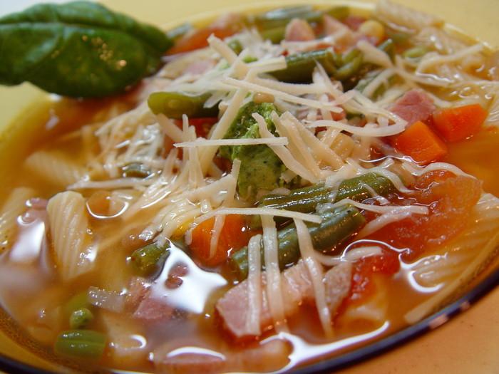 Минестроне (Minestrone) - итальянский суп. Рецепт супа минестроне.